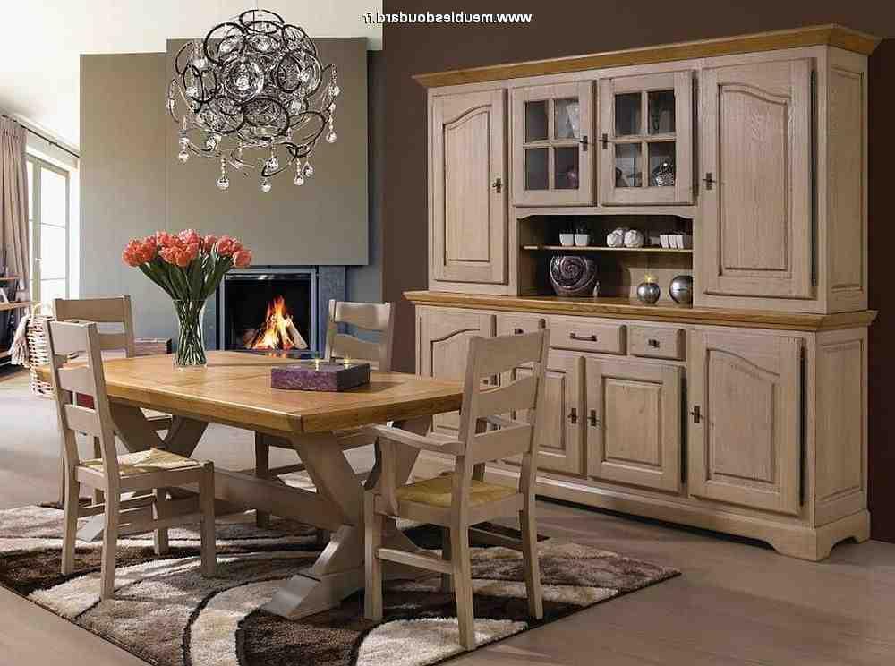 Comment moderniser une salle à manger rustique ?