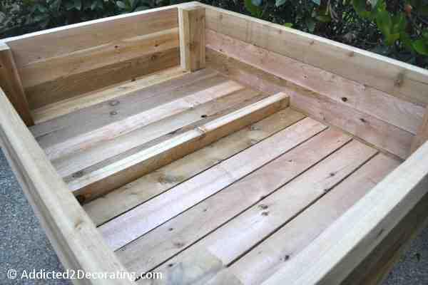 Quels bois utiliser pour faire un carré de jardin ?